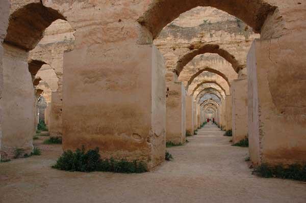 Meknes'teki silo ve at ahırları