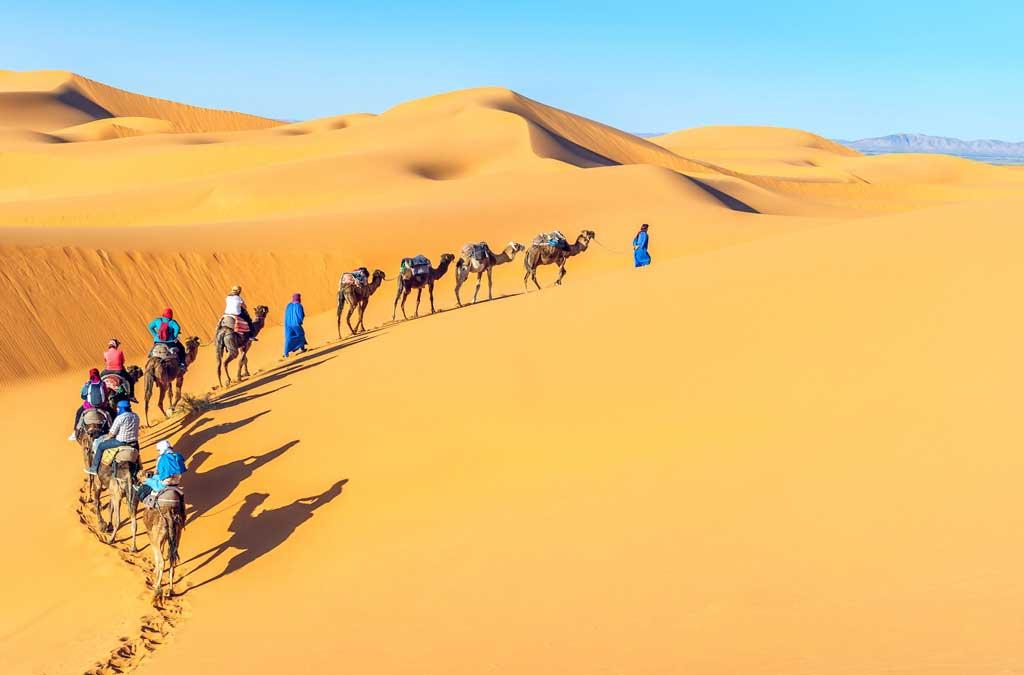 Tuareglerin eşliğinde çöl yolculuğu