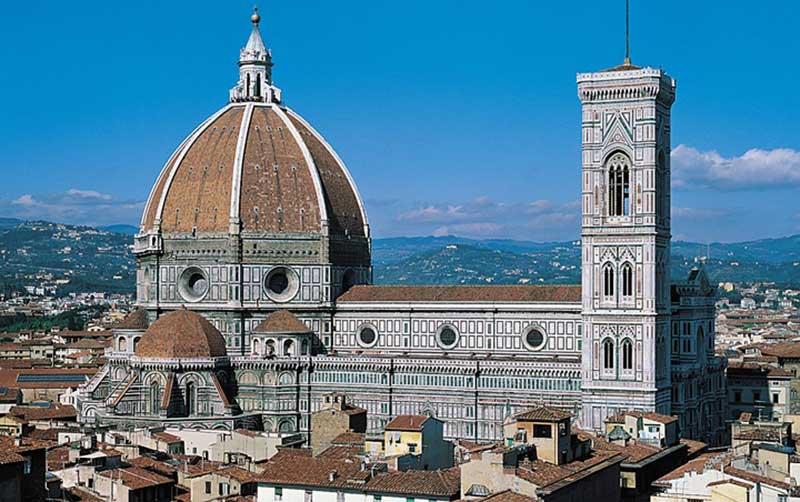 Floransa'da meşhur katedral ve çan kulesi