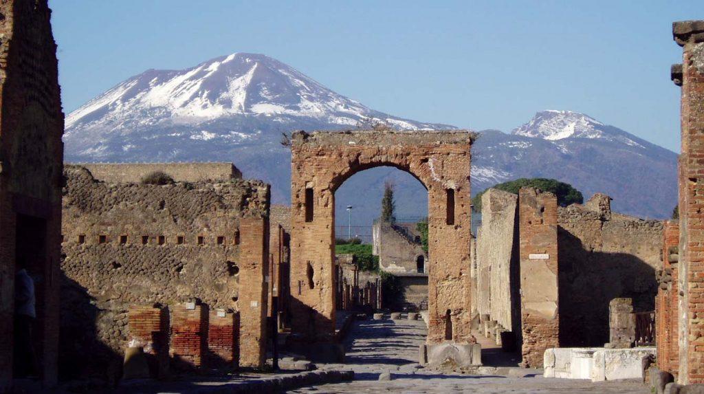 Antik Pompei Şehri ve Vezüv Yanardağı