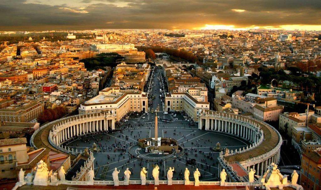 Vatikan Sen Pietro Meydanı